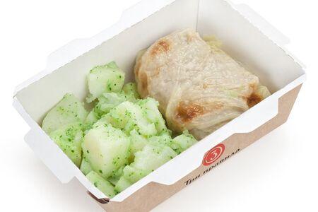 Голубцы с картофелем и соусом песто