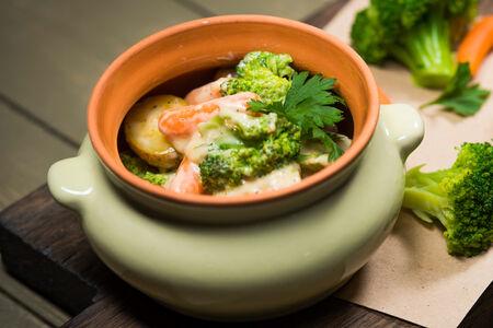 Филе индейки с овощами в сливочном соусе