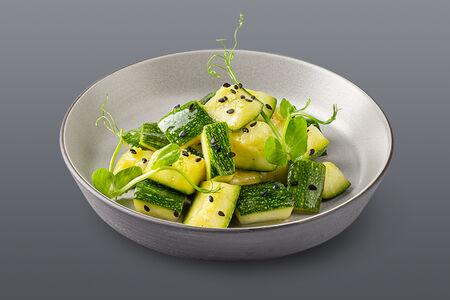 Салат с маринованными цукини