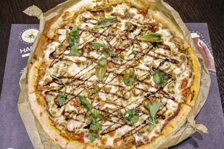 Пицца с цыпленком с гриля