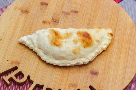 Пицца кальцоне Курица-грибы