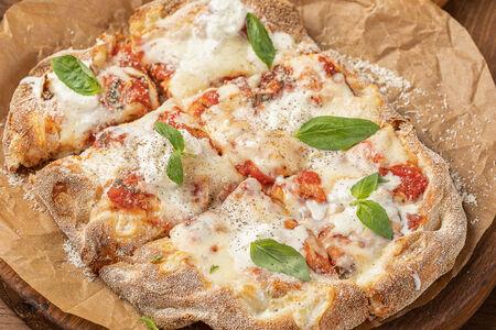Пицца Маргарита со страчателлой