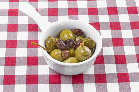 Большие оливки