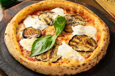 Пицца Меланзана Страчателла