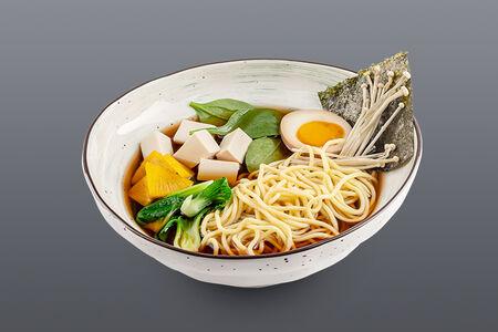 Суп Шио рамен с овощами и тофу
