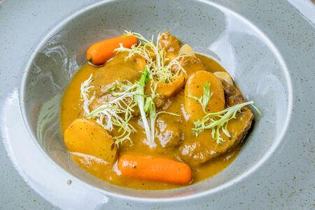 Оссо-буко в овощном соусе