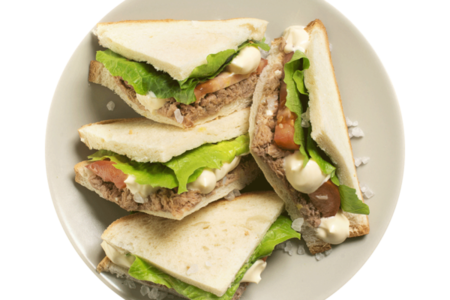 Клаб сэндвич с тунцом и базиликом