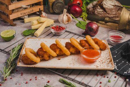 Луковые кольца и картофельные крокеты
