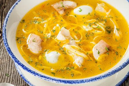 Домашний суп-лапша с курицей и грибами
