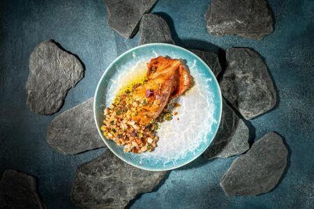 Кальмар на гриле со спельтой и овощами