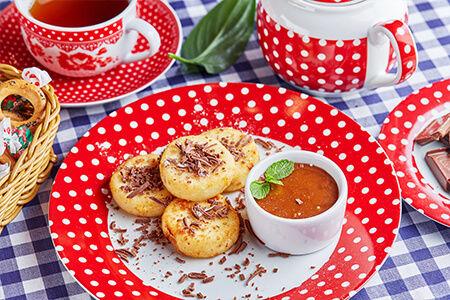 Сырники с шоколадом и соленой карамелью