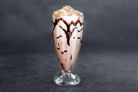 Молочный коктейль Взрывной Сникерс