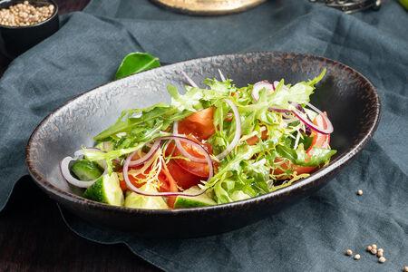 Салат Овощной с крымским луком