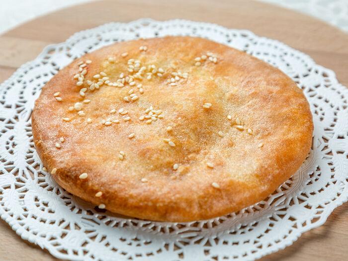 Осетинский пирожок с картофелем и сыром