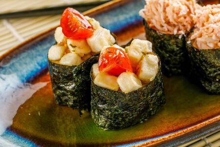 Суши с тофу и унаги-кремом
