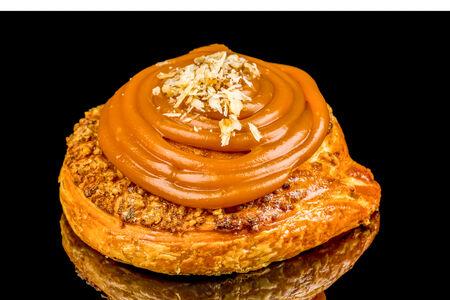 Улитка: пекан и солёная карамель