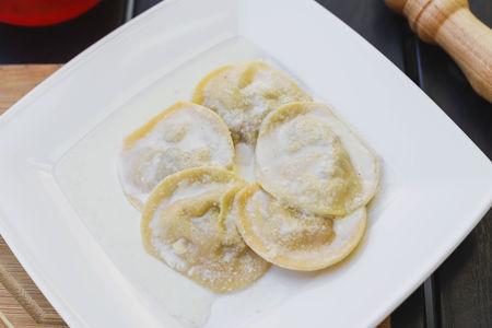 Равиоли с белыми грибами и сыром Таледжио