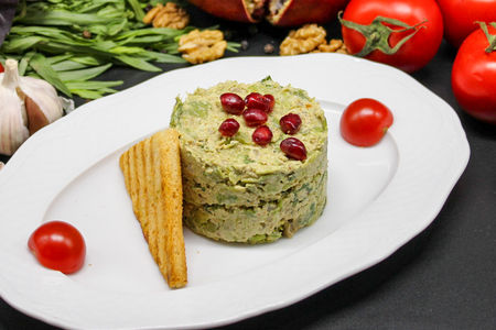 Пхали из зеленой фасоли с орехами