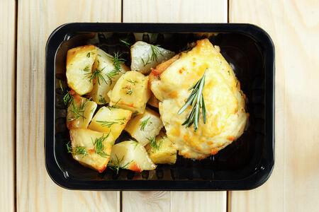 Мясо по-французски с запечённым картофелем