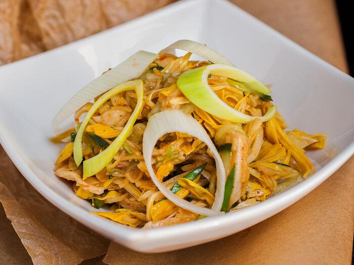 Корейский салат с курицей
