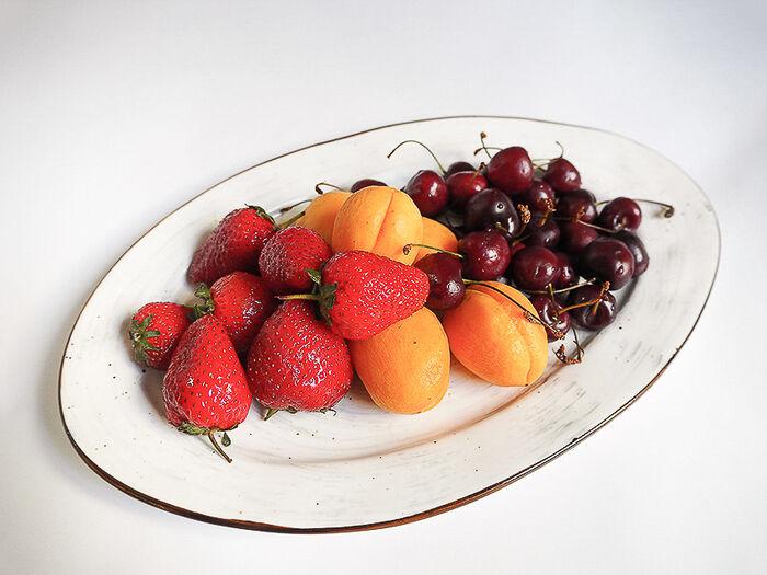 Тарелка сезонных фруктов