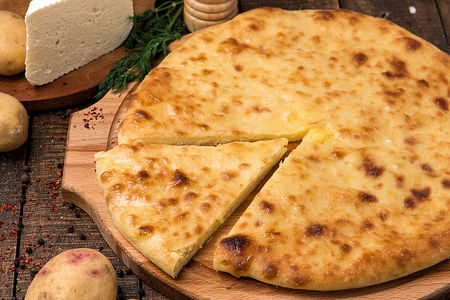 Осетинский пирог с картофелем и сыром Картофджын