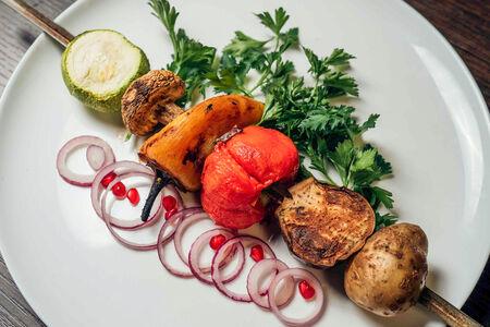 Шашлык из овощей на гриле