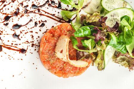 Тартар из свежего лосося
