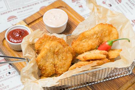 Наггетсы из цыпленка с соусами