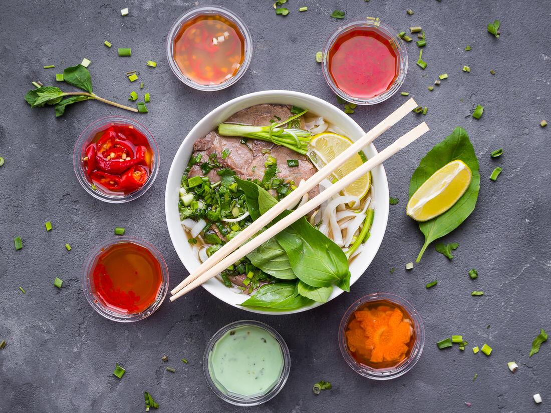 NEM & PHỞ Вьетнамская кухня
