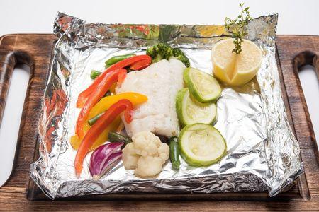 Судак в фольге с марокканскими специями и овощами