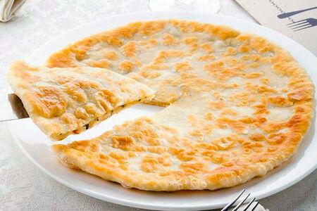 Хачапури с двумя видами сыра и мятой