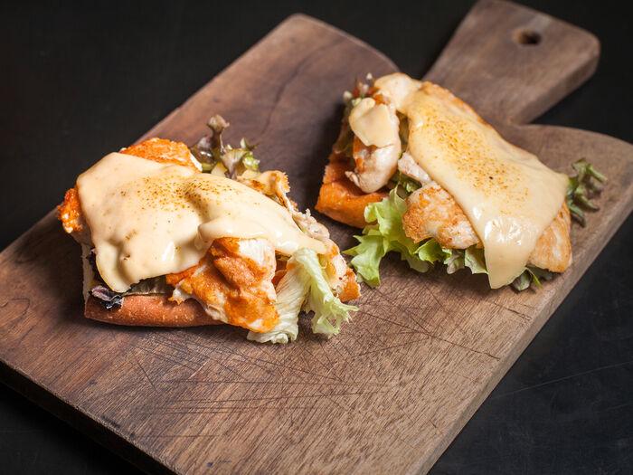 Бутерброд с куриной грудкой