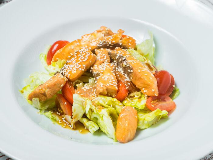 Салат Легкий с лососем