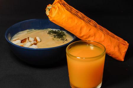 Бизнес-ланч с сырным супом