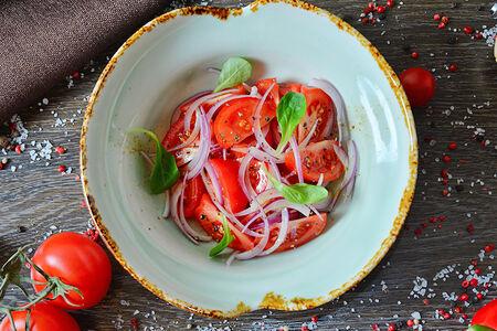 Бакинские томаты с красным луком