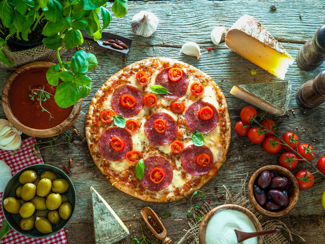 Сеть пиццерий хлеба & зрелищ