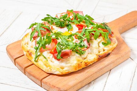 Пицца с говядиной и яйцом
