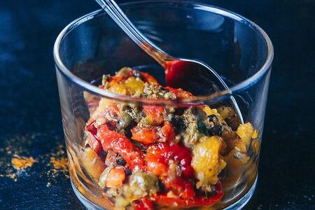 Перец, маринованный с оливками и каперсами