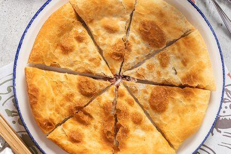 Пирог Лобиани с красной фасолью