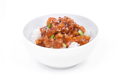 Курица в соусе на белом рисе
