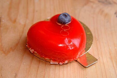 Пирожное Малиновый Мусс