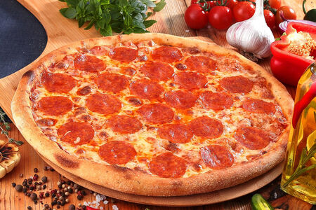 Пицца Пепперони пышная