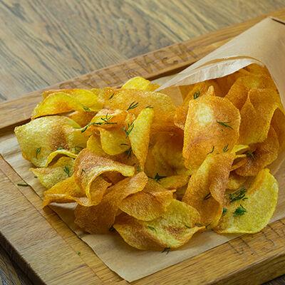 Чипсы картофельные с фирменным соусом