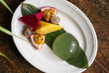 Капля росы и вьетнамские фрукты