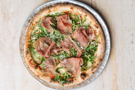 Пицца Парма и моцарелла