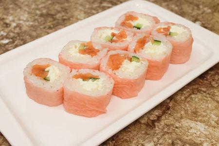 Ролл Фламинго с лососем