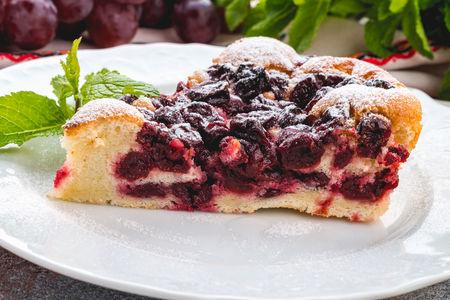 Десерт Пита с вишни