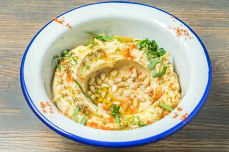 Хумус с кедровыми орешками