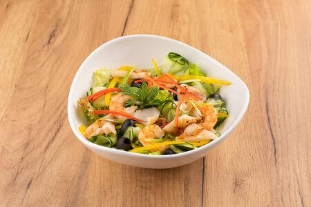 Микс-салат с морепродуктами